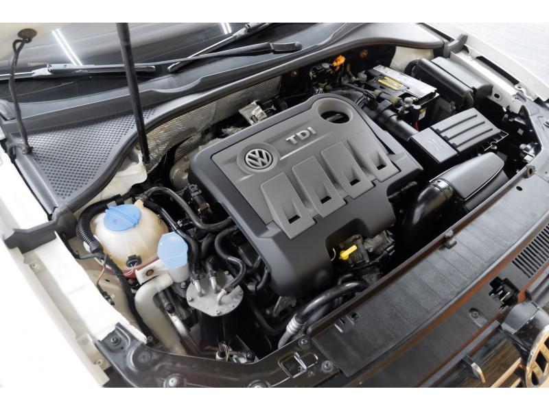 Volkswagen Passat 2014 price $12,991