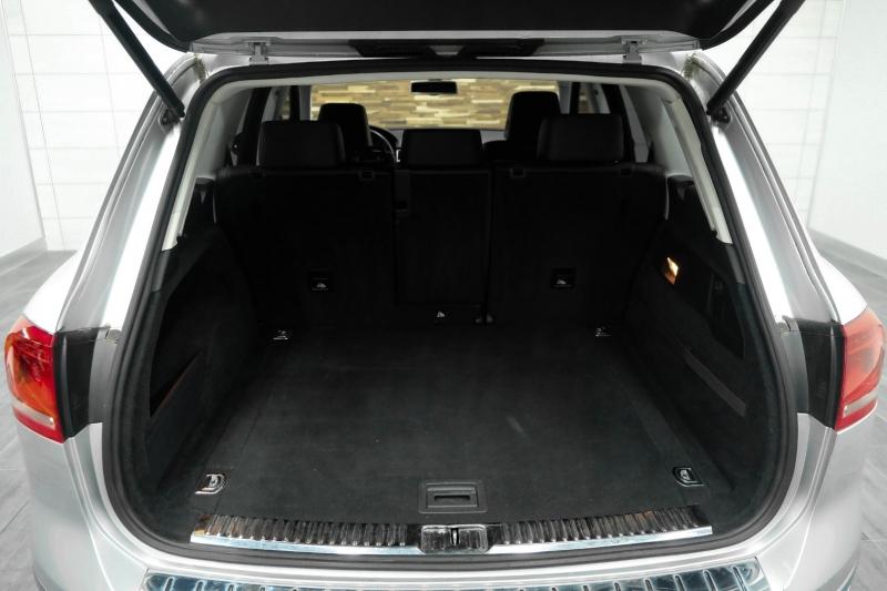 Volkswagen Touareg 2015 price $21,991