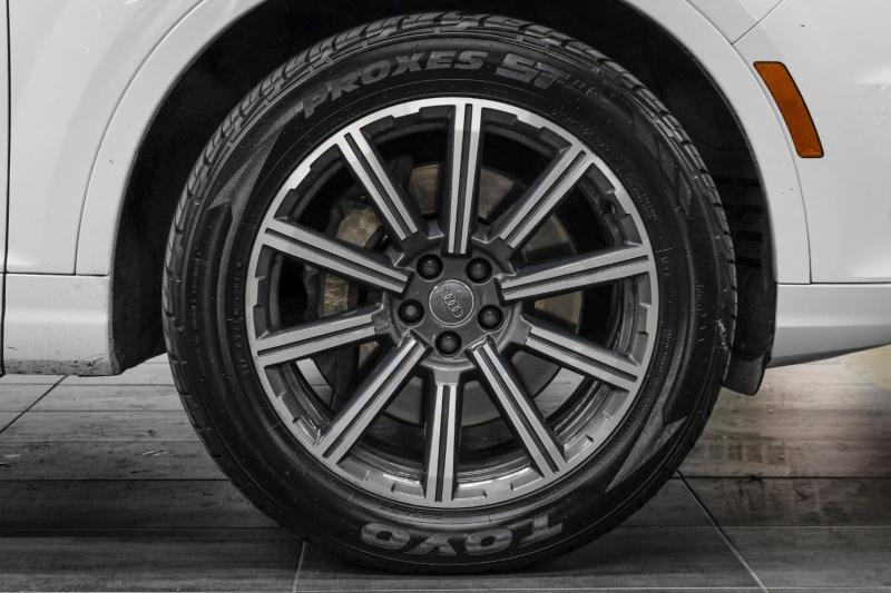 Audi Q7 2017 price $29,991