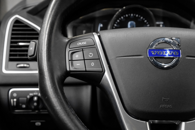 Volvo XC60 2016 price $18,441