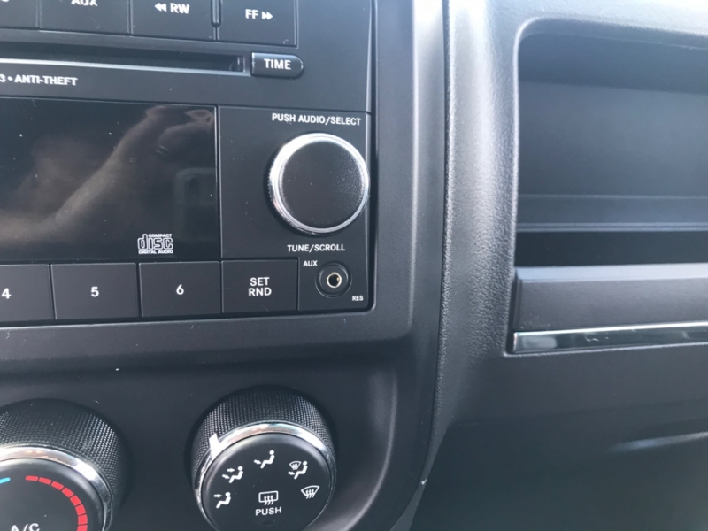 Jeep Compass 2012 price $7,350