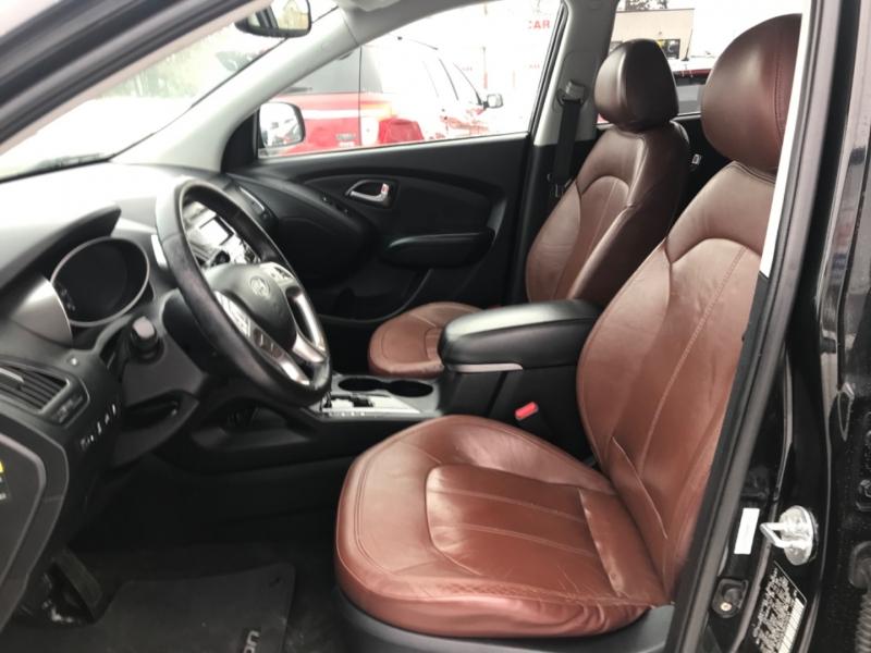 Hyundai Tucson 2011 price $9,750