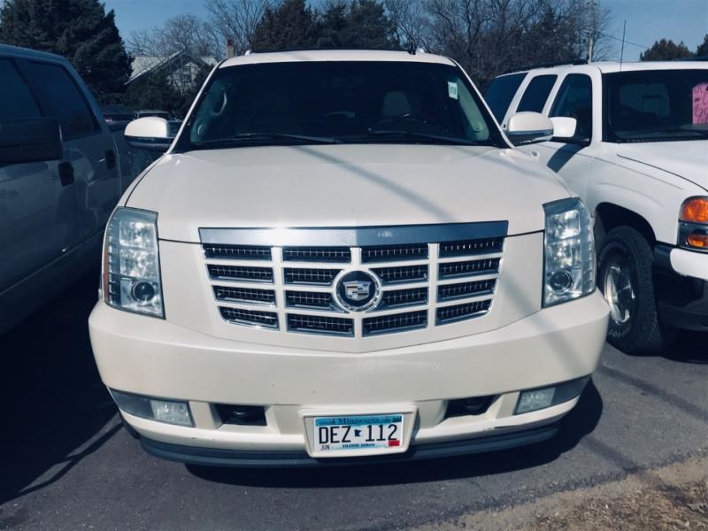 Cadillac Escalade 2007 price $10,995