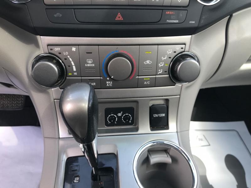 Toyota Highlander 2012 price $15,995
