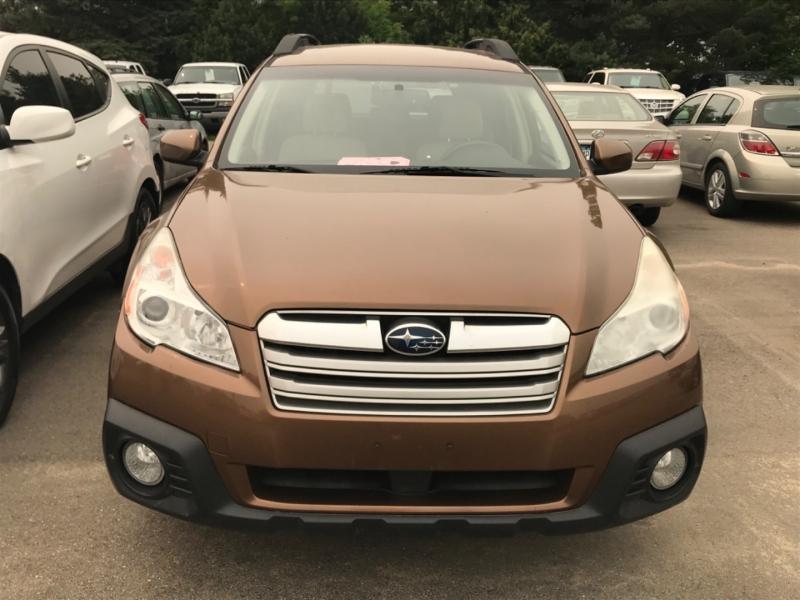 Subaru Outback 2013 price $13,495