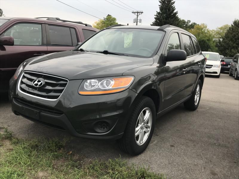Hyundai Santa Fe 2011 price $9,850