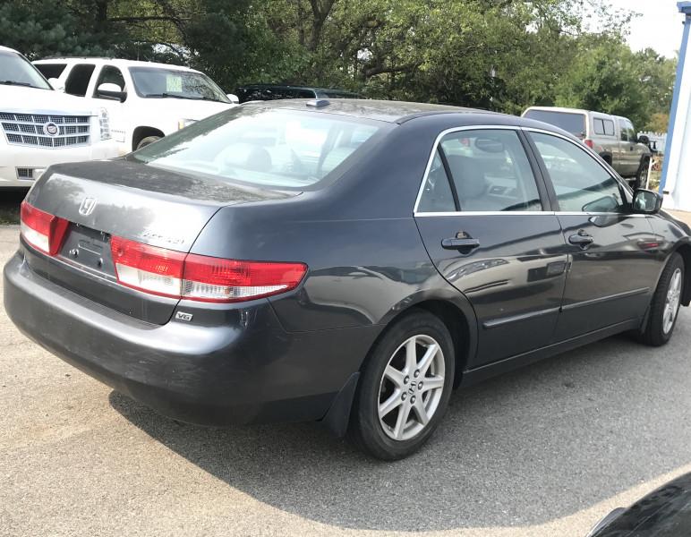 Honda Accord Sdn 2004 price $4,750