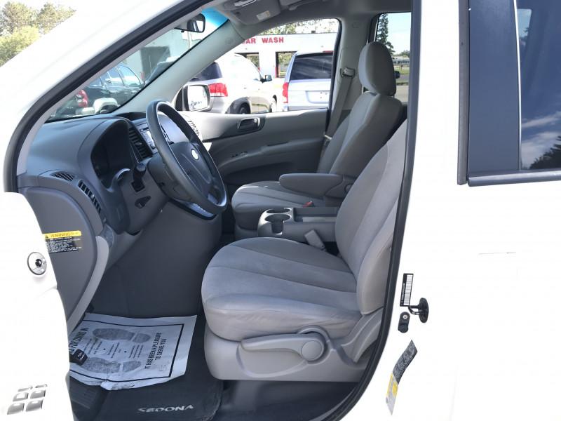 Kia Sedona 2009 price $7,995