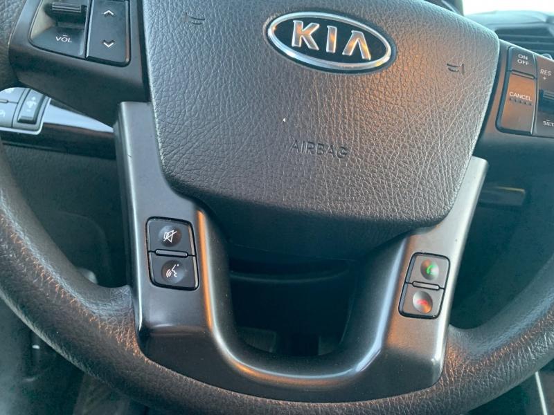 Kia Sorento 2011 price $8,400