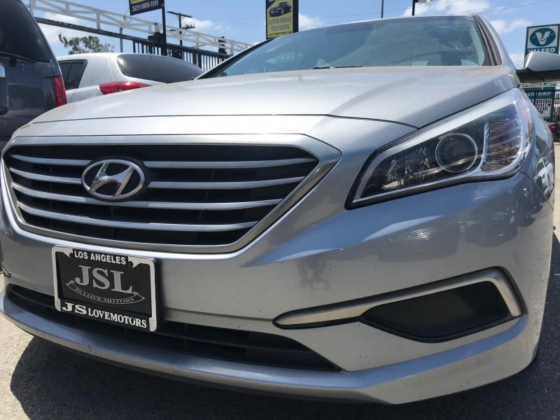 Hyundai Sonata 2017 price $18,999