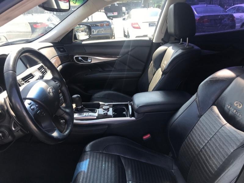Infiniti M56 2011 price $18,299
