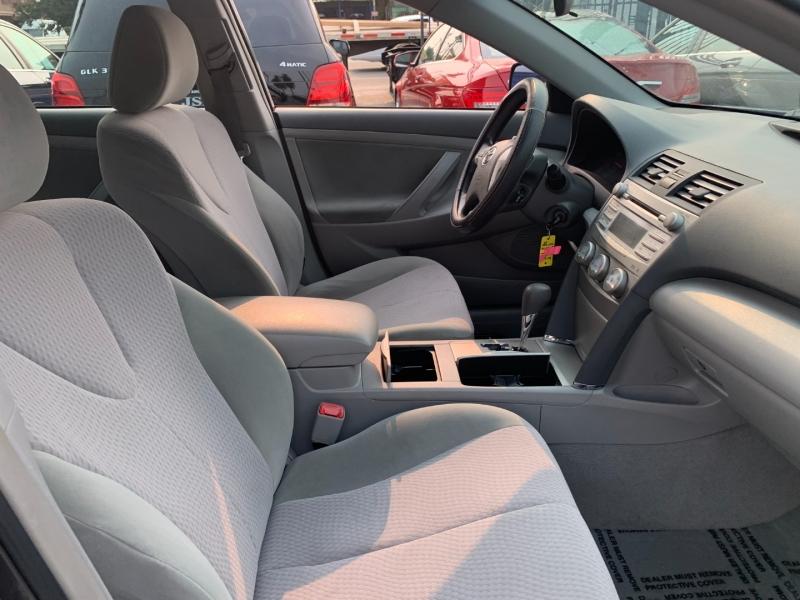 Toyota Camry 2010 price $13,999