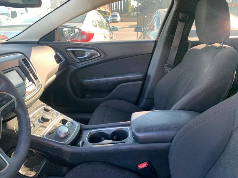 Chrysler 200 2015 price $17,999