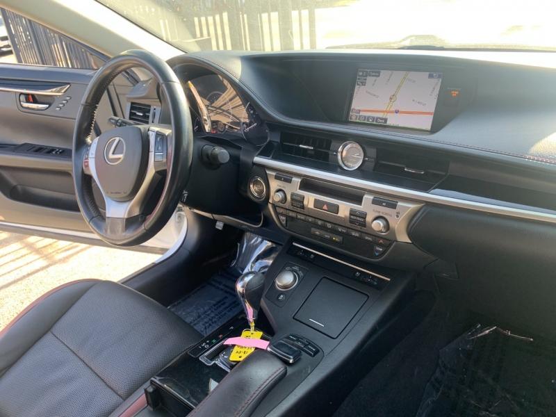 Lexus ES 350 2015 price $25,999