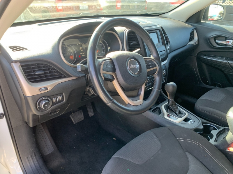 Jeep Cherokee 2015 price $18,999