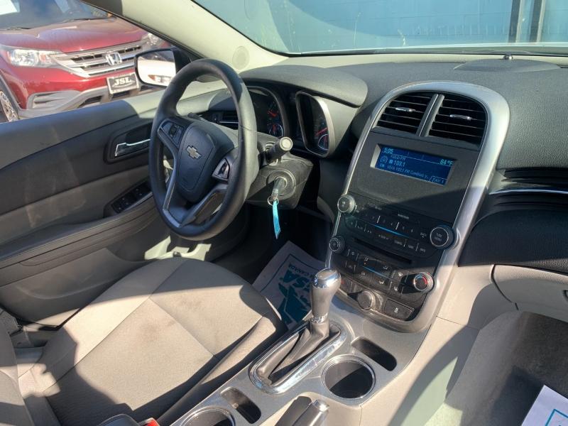 Chevrolet Malibu 2015 price $14,299