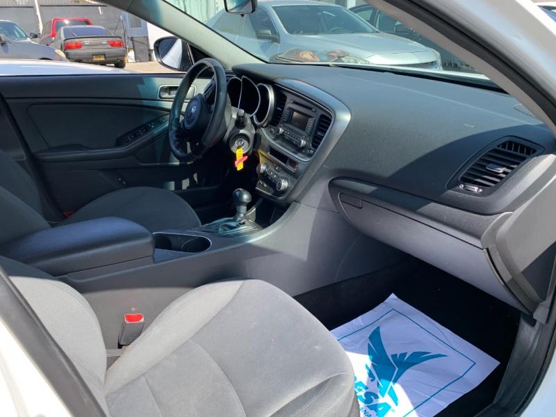 Kia Optima 2015 price $22,999