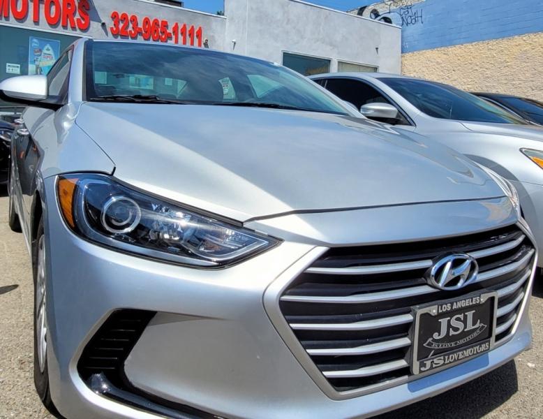 Hyundai Elantra 2017 price $22,999