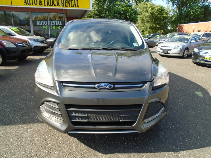 Ford Escape 2015 price $8,999