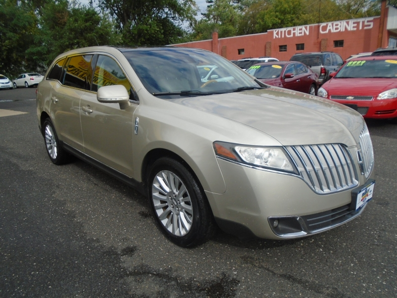Lincoln MKT 2011 price $10,999