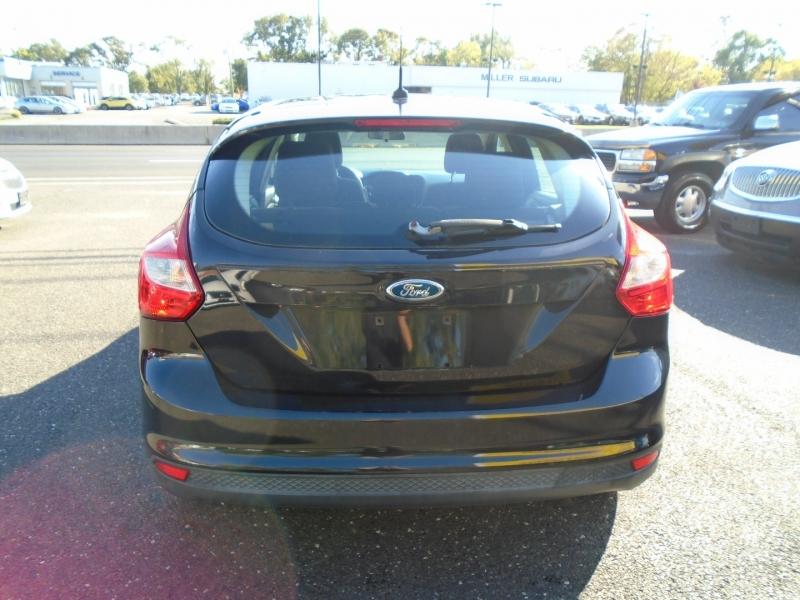 Ford Focus 2012 price $6,999