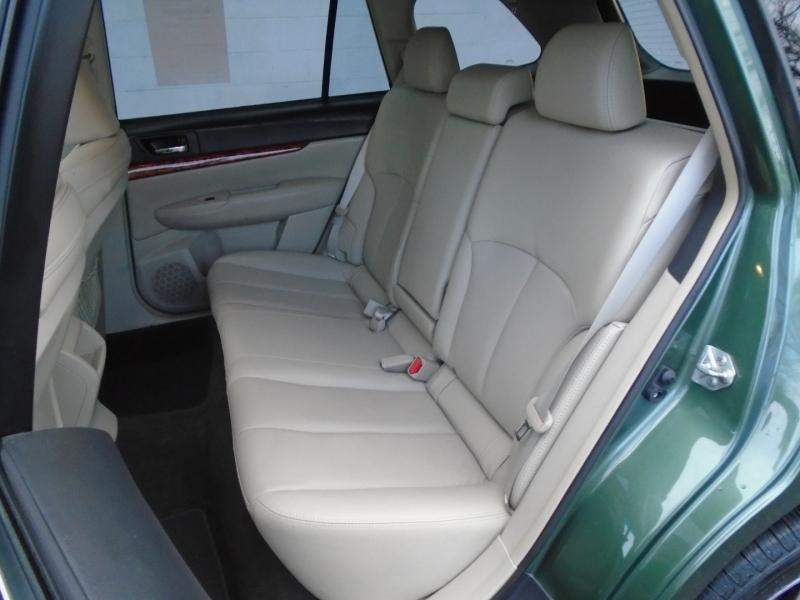 Subaru Outback 2012 price $11,299