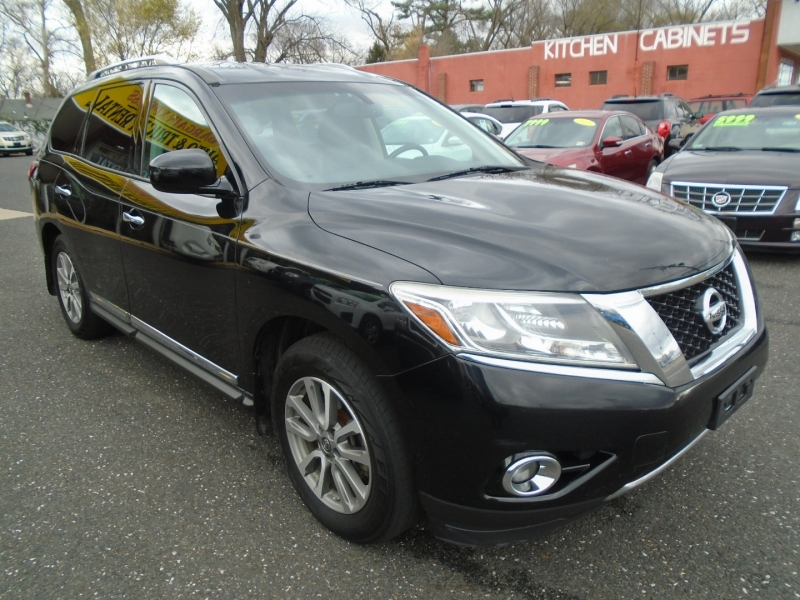 Nissan Pathfinder 2013 price $9,199