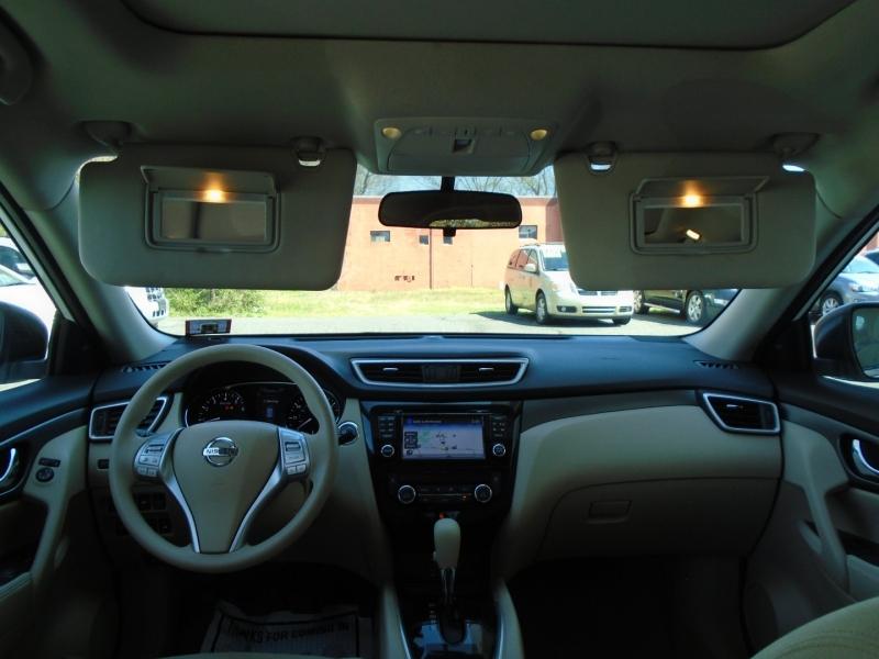 Nissan Rogue 2015 price $14,999