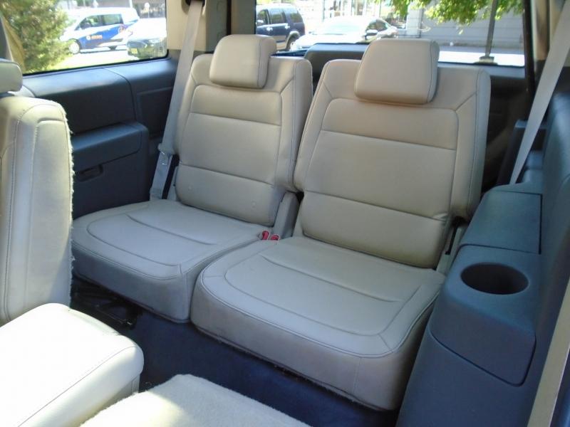 Ford Flex 2009 price $8,999