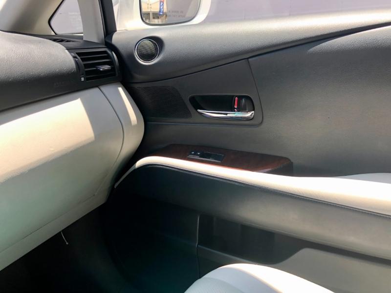 Lexus RX 450h 2010 price $13,995