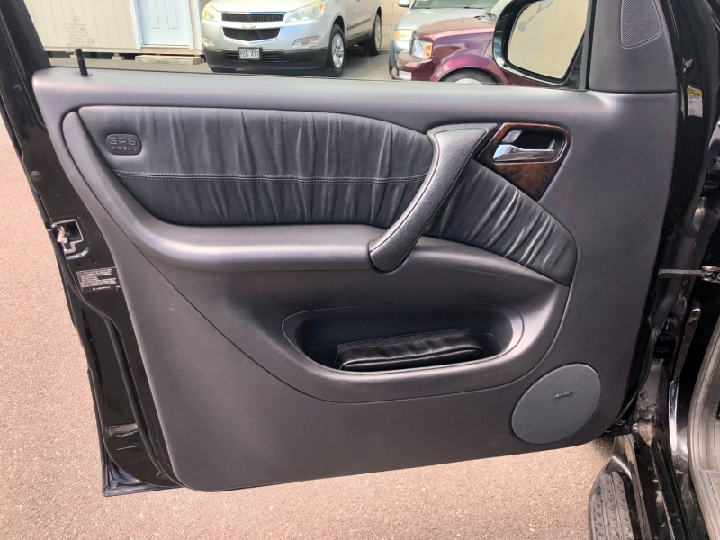 Mercedes-Benz M-Class 2005 price $6,995