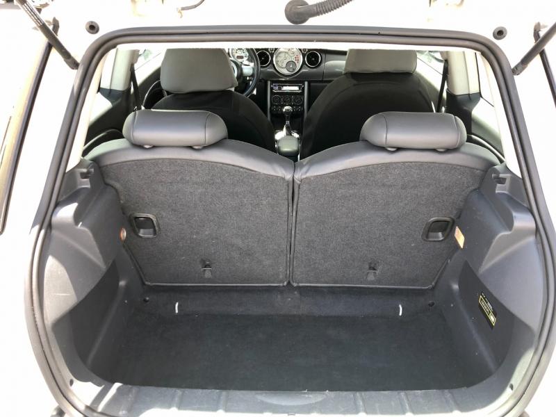 Mini Cooper S Hardtop 2005 price $7,995