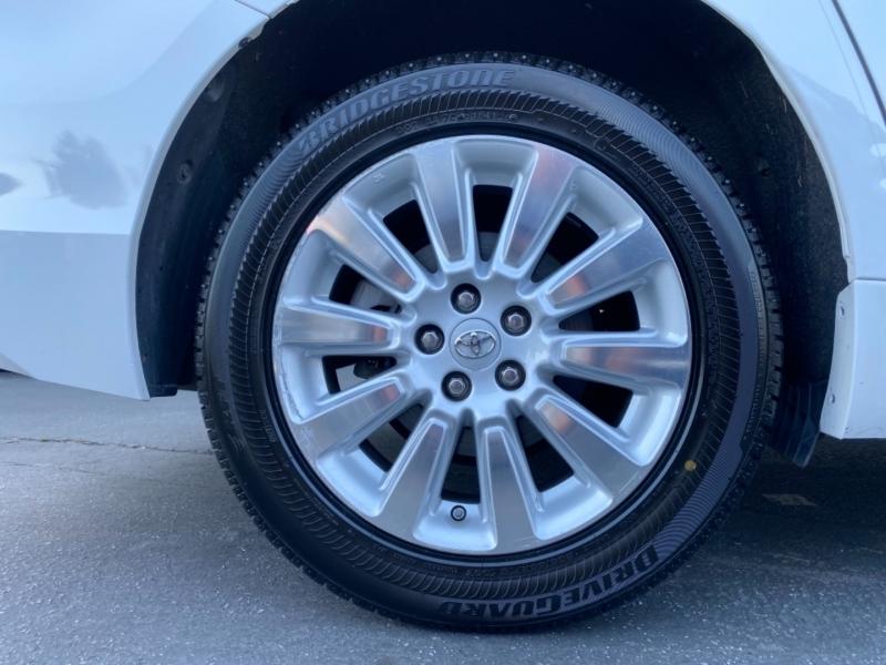 Toyota Sienna 2013 price $18,900