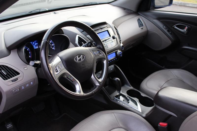 Hyundai Tucson 2011 price $10,500