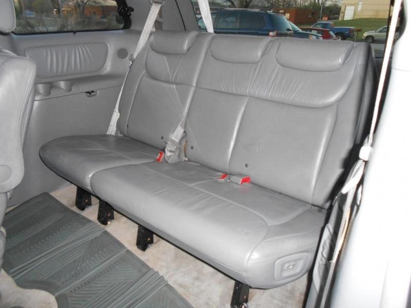 Toyota Sienna 2008 price $5,995