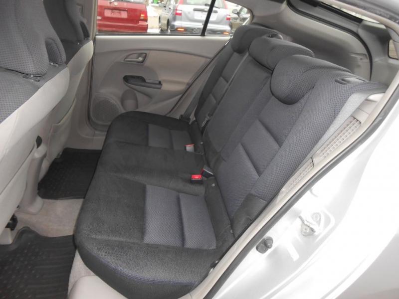 Honda Insight 2010 price $3,895