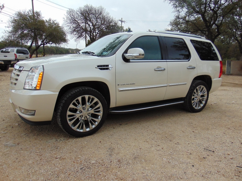 Cadillac Escalade 2009 price $17,995