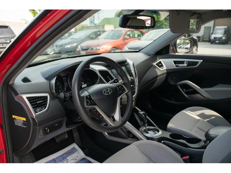 Hyundai Veloster 2013 price $7,990