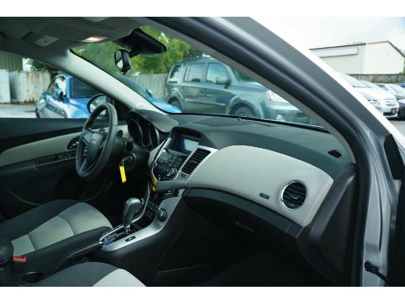 Chevrolet Cruze 2016 price $9,490