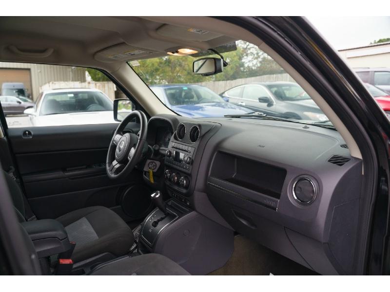 Jeep Patriot 2017 price $12,880