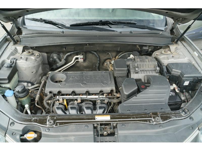 Hyundai Santa Fe 2012 price $7,990