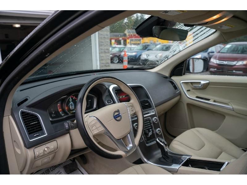 Volvo XC 60 2015 price $15,490