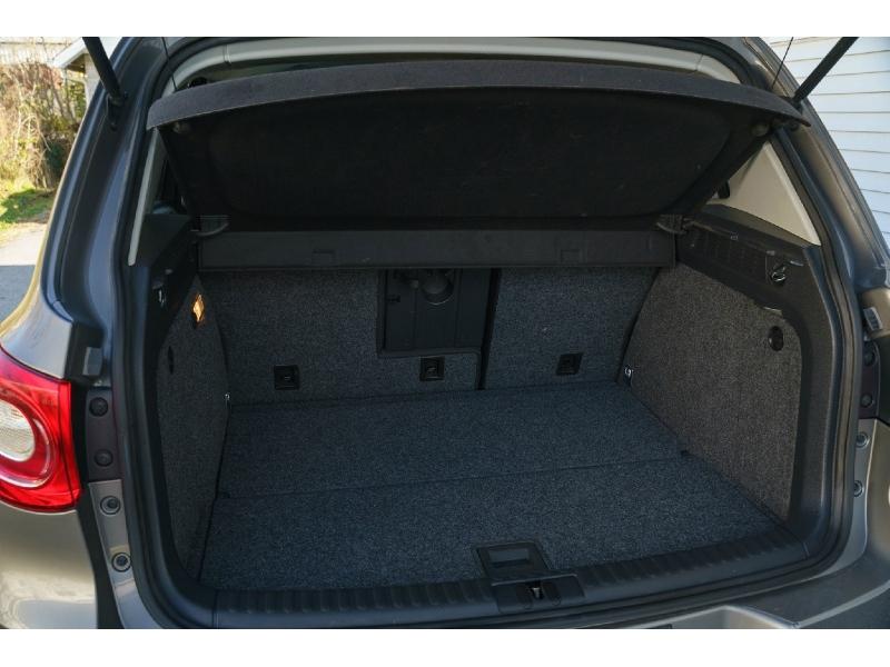 Volkswagen Tiguan 2010 price $7,890
