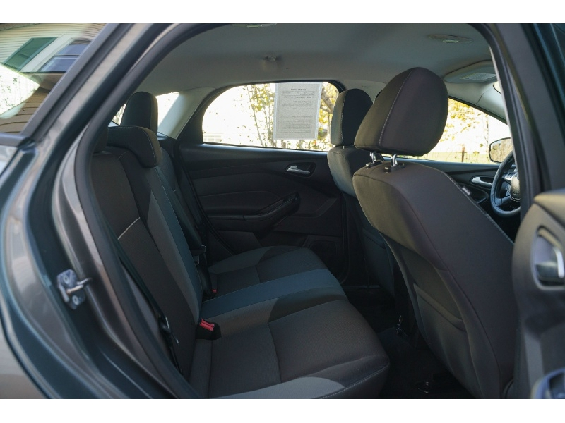 Ford Focus 2013 price $7,990