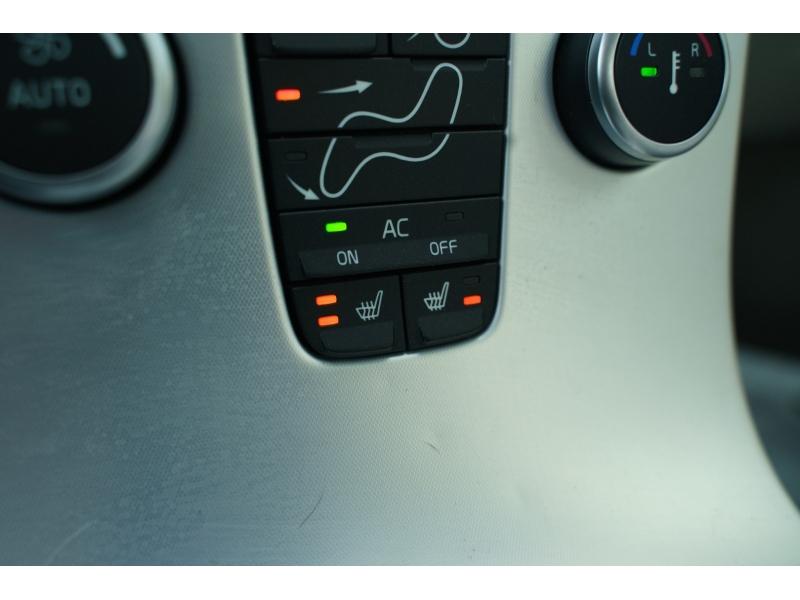 Volvo S 40 2011 price $8,490