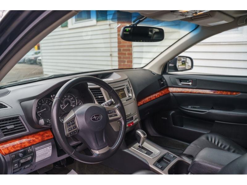Subaru Outback 2012 price $11,990