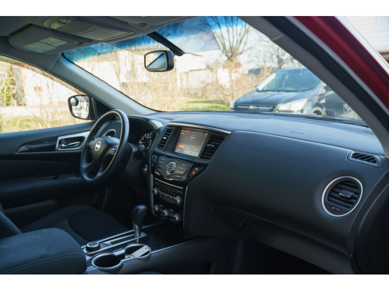Nissan Pathfinder 2017 price $13,990