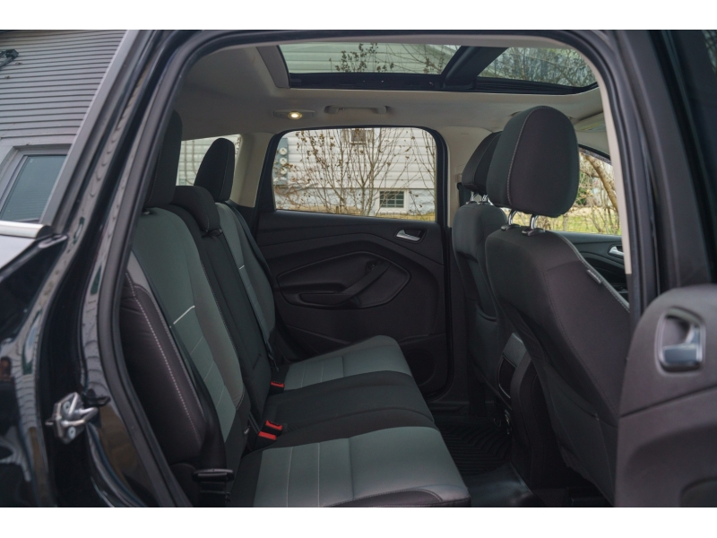 Ford Escape 2015 price $9,990