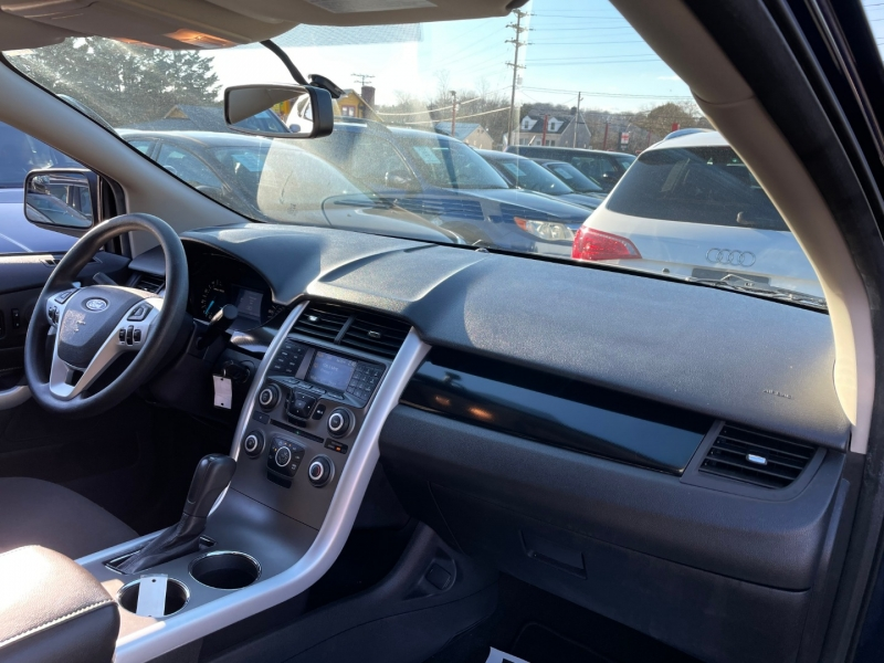 Ford Edge 2011 price $8,390