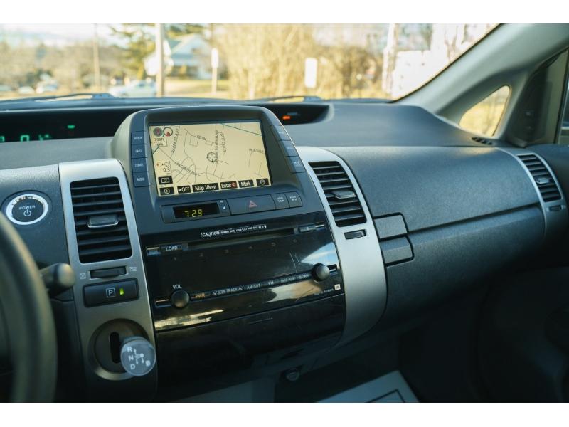 Toyota Prius 2006 price $6,490